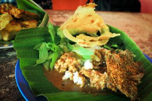 Pecel, Indonesian Salad | www.justgoindonesia.com indonesia travel