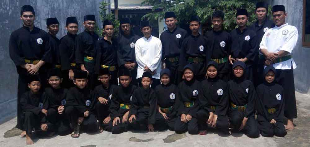 martial arts influence in indonesia Silat practice in japanese‑style uniforms and belts illustrates the influence of non-indonesian martial arts on contemporary silat (courtesy of joe svinth.