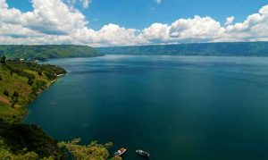 sumatra-destination-justgoindonesia-lake indonesia travel