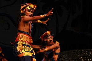 dance-nusa-penida-festival-2016-indonesia-travel-justgoindonesia