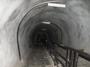 lubang-jepang-indonesia-travel-sumatra-bukittinggi-japanese-tunnel-1