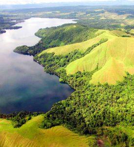Sentani-Lake,-Jayapura-_-Papua-JustgoIndonesia-1
